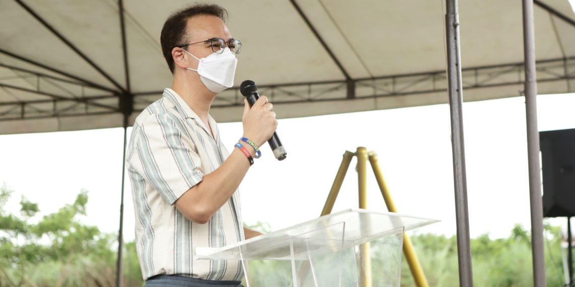 Former House Speaker Cayetano gives his message during the signing of the Memorandum of Agreement (MOA) for the ABC Taguig Agri-Industrial Hub for Freshwater Aquaculture Urban Farming on July 20.